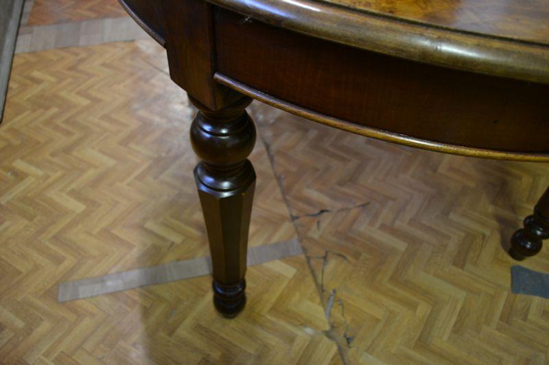 Tavolo Antico Allungabile Antiquariato.Tavolo Ovale Allungabile Il Tempo Dei Ricordi Antichita E
